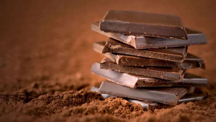 Happy Foods - Eat your way to happiness: Lighten your mood with dark chocolate