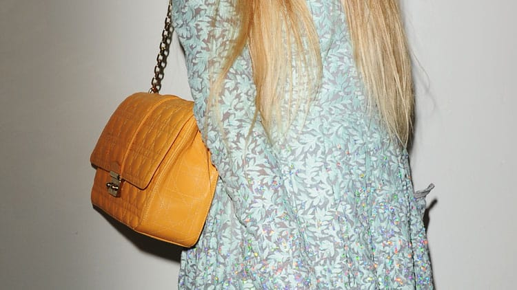6-Amazing-Bags-No-Woman-Over-50-Should-Live-Without---Shoulder-bag