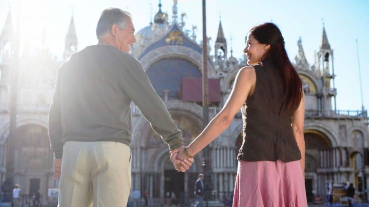 Senior Dating-and-the-Choice-Between-Intimacy-and-Independence