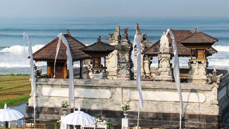 Alila Seminyak temple