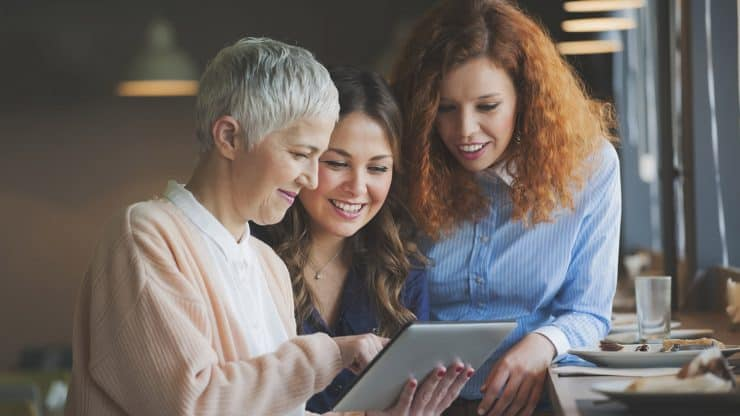 senior woman mentoring advice