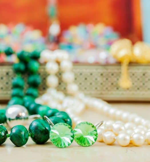 vintage-costume-jewelry