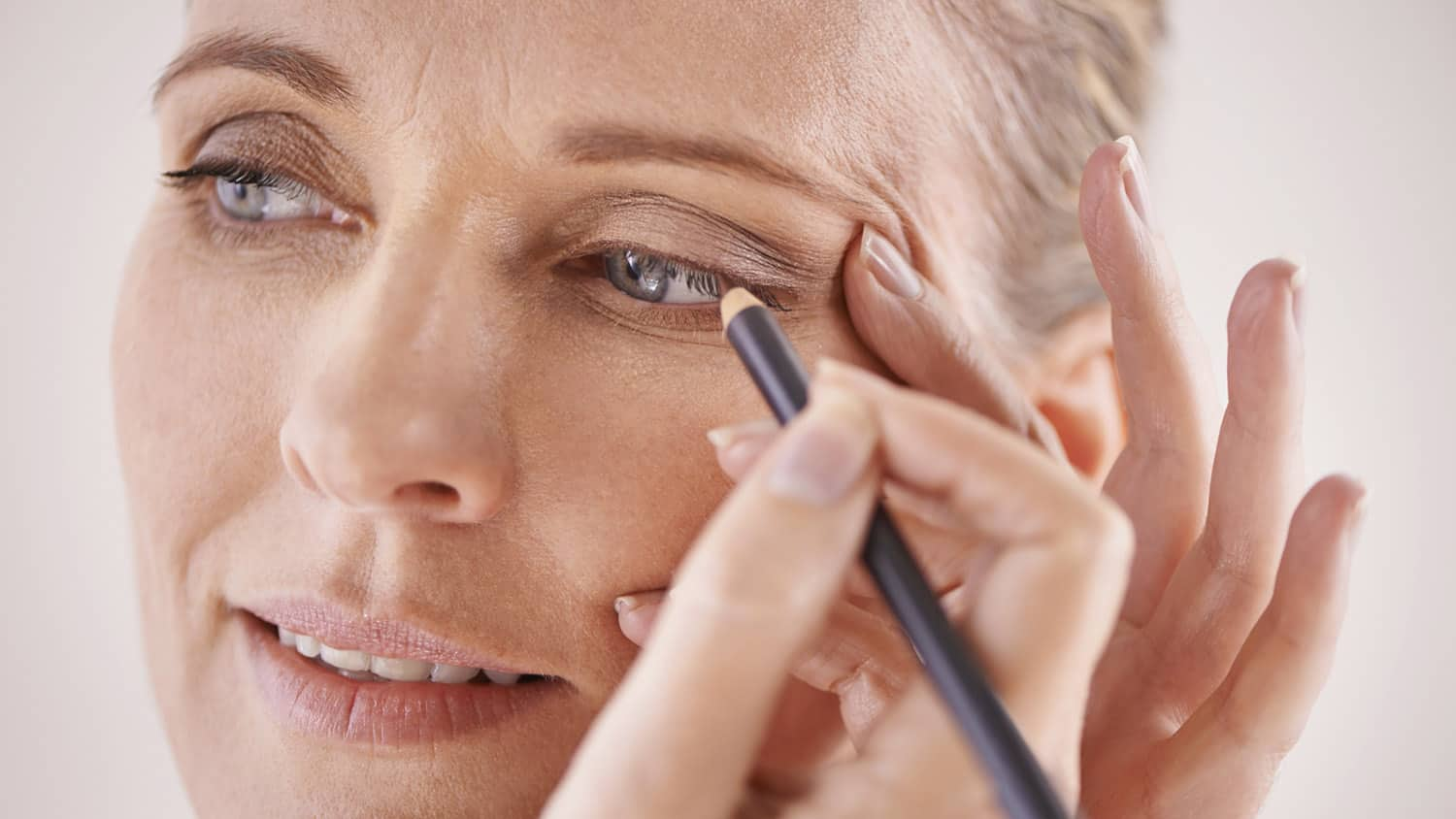 This Is the *BEST* Way to Apply Eyeliner After 8! Makeup for