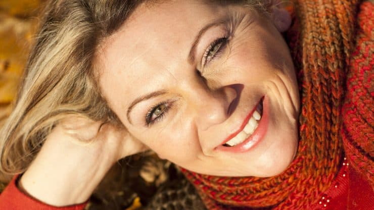 Fall-Makeup-Trends-for-Older-Women