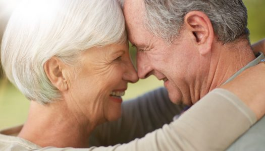 5 Things to Look for in a Senior Dating Coach or Agency
