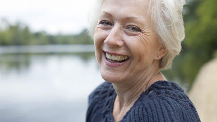 Senior woman Natural-Fiber-Clothing