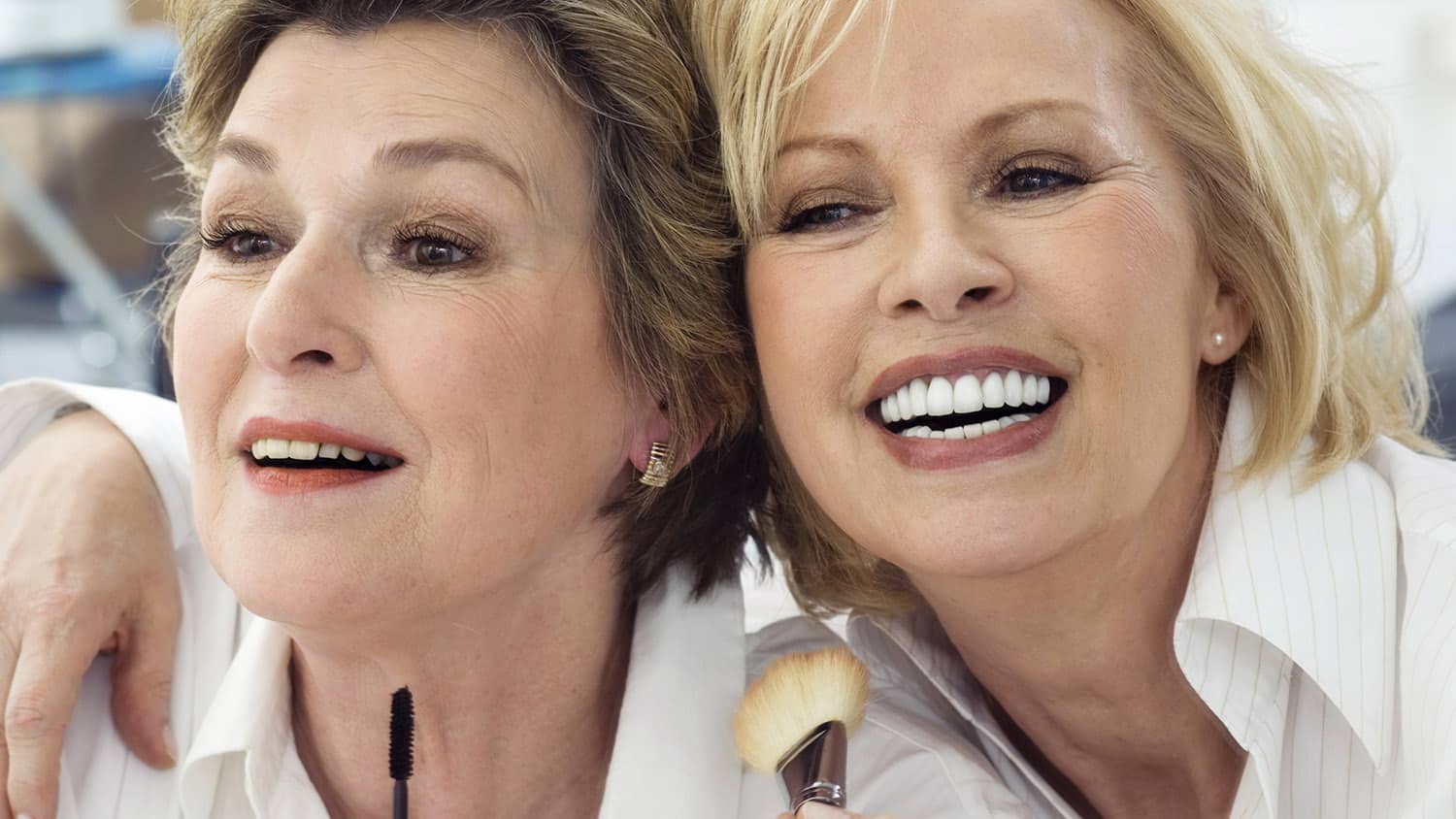 11 Exclusive Makeup Tips for Older Women from a Professional