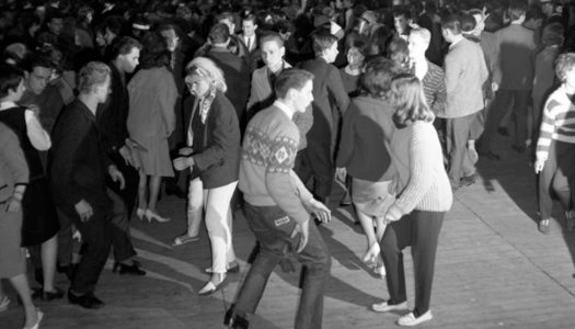 How Many of These 1960s Dances Do You Remember? (Including Vintage Videos!)