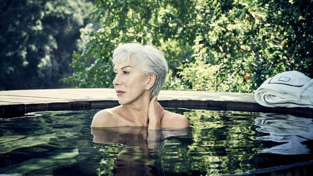 Helen Mirren Gives Up Her Clothes to Support Cancer