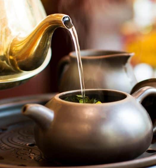Does-All-Tea-Contain-Caffeine