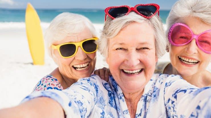 Makeup-for-Mature-Women-Makeup-and-Sunscreen