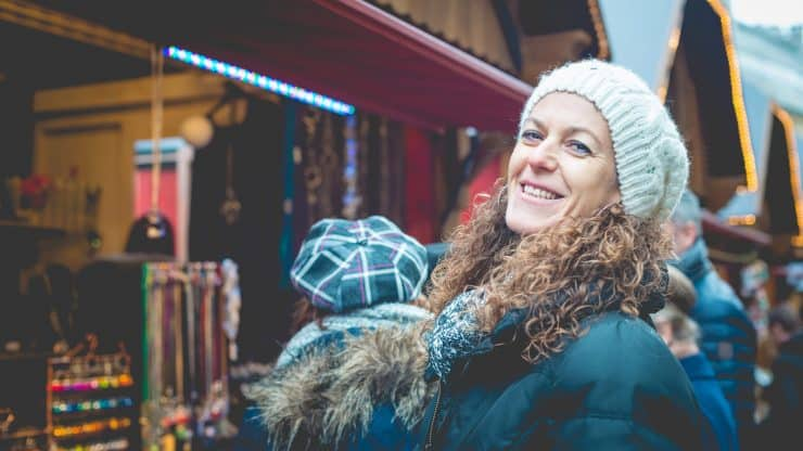 Holiday-Tips-for-Older-Women-Who-Like-to-Travel