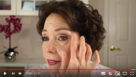 9 Pro Makeup Artist Tips for Women 50+ with Hooded Eyes (Video)