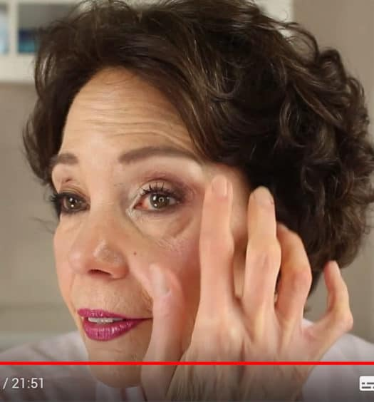 9 Pro Makeup Artist Tips for Women 50+ with Hooded Eyes