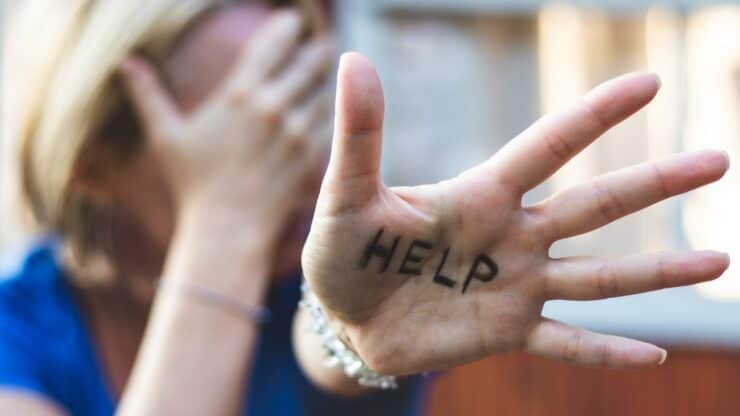 domestic abuse signal for help