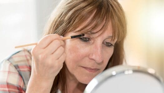 The Quickest, Easiest Eyeshadow Application for Older Women (VIDEO)